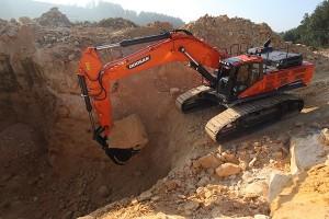 Doosan DX490 Excavator